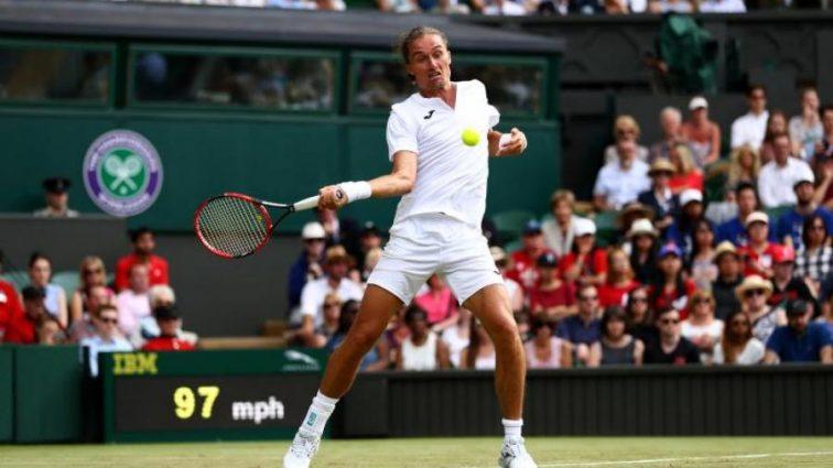 Лучшего теннисиста Украины подозревают в нечестной игре