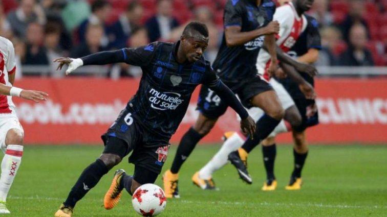 Барселона подпишет защитника французского клуба
