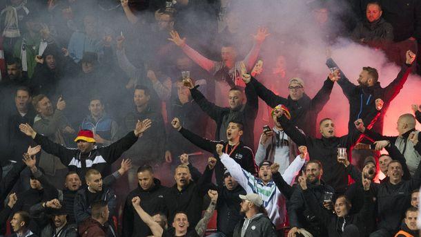 ФИФА накажет сборную Германии за нацистские лозунги фанатов