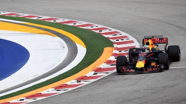 Риккардо установил рекорд трассы в первой практике Гран-при Сингапура