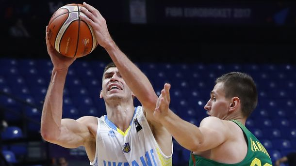 Украина вышла в 1/8 финала Евробаскета-2017