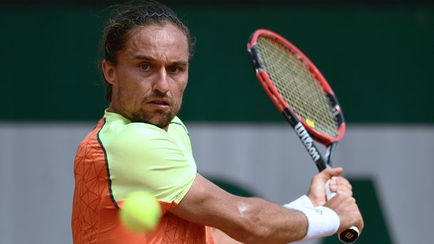 Александр Долгополов выиграл первый матч на турнире в Шэньчжэне