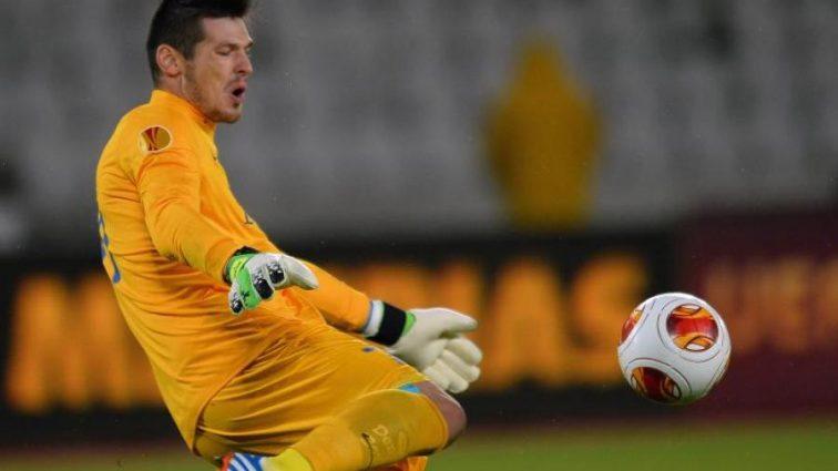 Стало известно, почему сорвался трансфер экс-голкипера сборной Украины