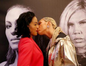 Девушка-боксер поцеловала в губы соперницу во время битвы взглядов