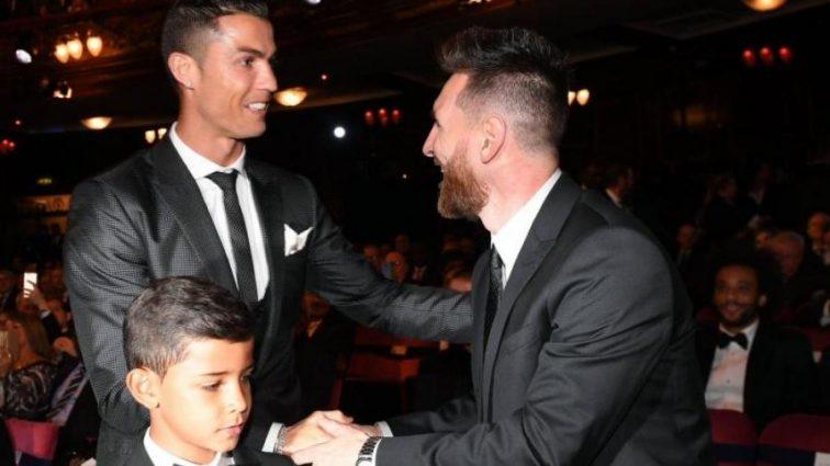 Стало известно, за кого голосовали Роналду и Месси при выборе футболиста года