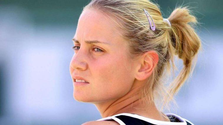 «Ты шл*ха, грязная с*ка»: Известная теннисистка рассказала шокирующие подробности насилия со стороны отца