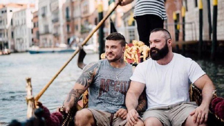 Фото влюбленных спортсменов-геев взорвали сеть
