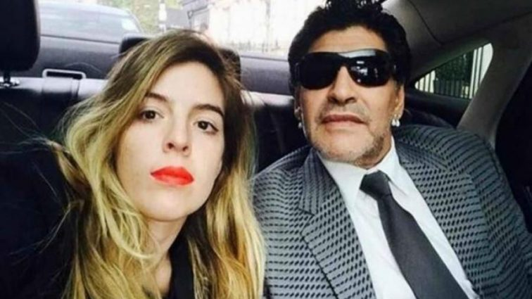 Легендарный Марадона обвинил дочь в многомиллионной краже