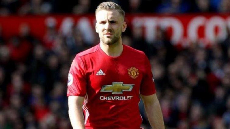 Манчестер Юнайтед и Тоттенхэм могут обменятся защитниками