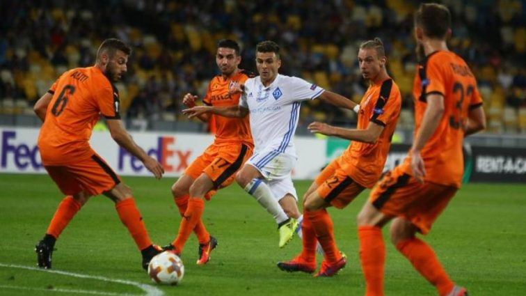 Скендербеу — Динамо: Стали известны стартовые составы команд