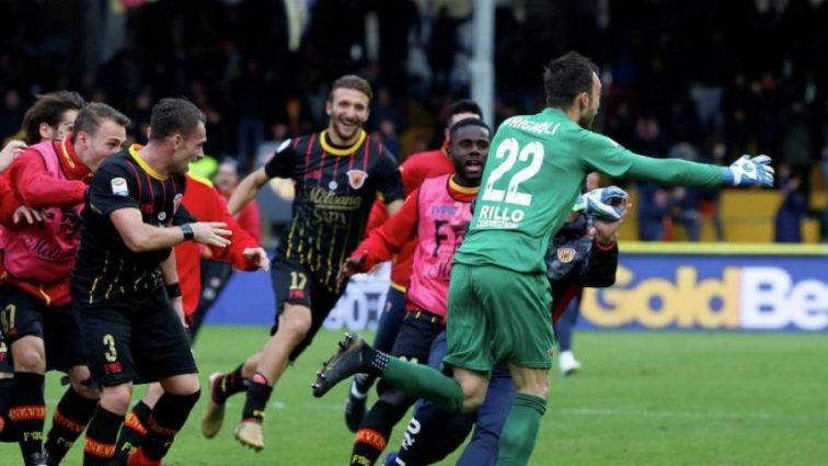 Голкипер забил впервые за 16 лет и испортил дебют легенде Милана