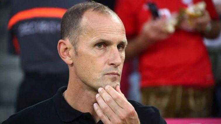 Тренер немецкого клуба поплатился за позорную симуляцию (видео)