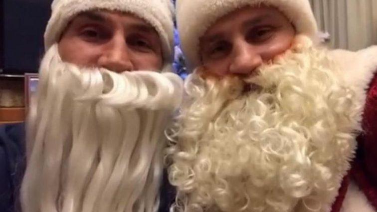 Братья Кличко поздравили поклонников с Рождеством