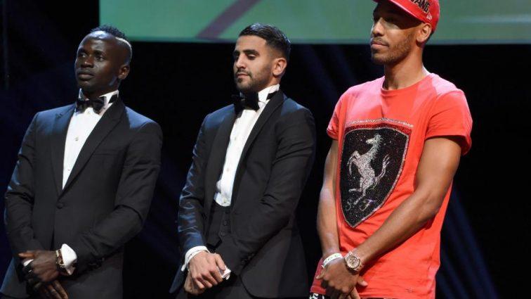 Обамеянг вновь поразил своим стилем на церемонии награждения лучшего игрока Африки