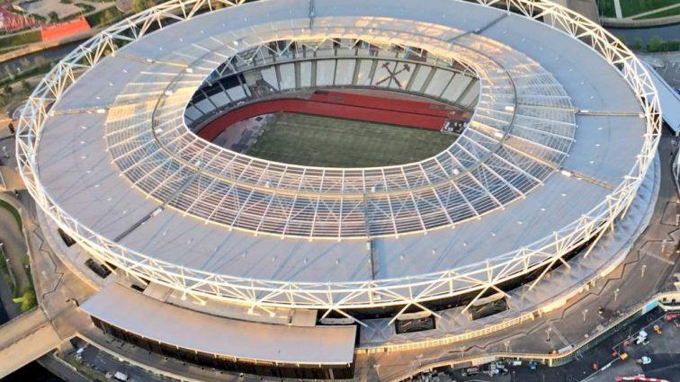Челси может иметь проблемы с реконструкцией стадиона из-за семьи, которой не хватает света