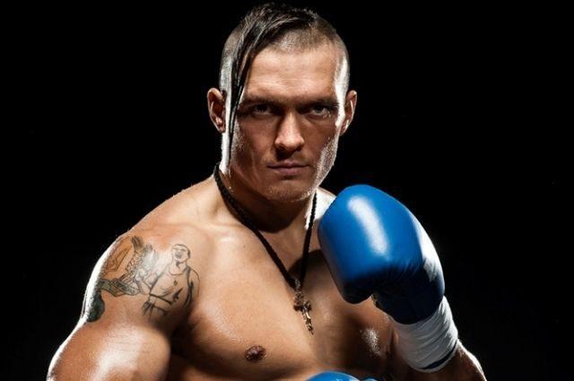 Усик встретится с россиянином Гассиевым в финале Всемирной боксерской суперсерии