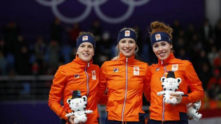 Оранжевый пьедестал: конькобежки из Нидерландов порвали всех