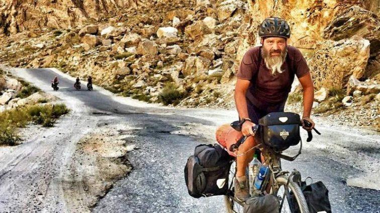 Год в дороге: родители швейцарского олимпийца приехали в Пхенчхан на велосипедах