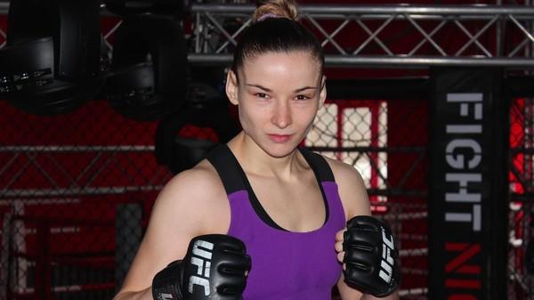 UFC: украинка героически проиграла бой против чемпионки
