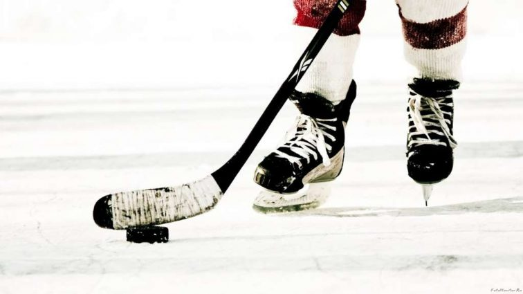 С политическим подтекстом: американские и российские хоккеисты сразились на Олимпиаде