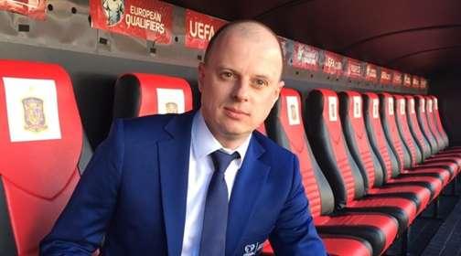 Голос украинского футбола и примерный семьянин: Тайны жизни лучшего комментатора Виктора Вацко. Жена настоящая красавица