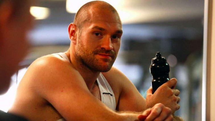 Преподам урок: Фьюри назвал боксера, созданного для него