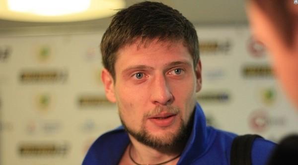 Когда Шевченко не рассчитывает: Селезнев занялся хоккеем