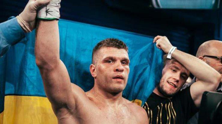 Непобедимый: украинец Деревянченко уверенно справился с опытным американцем