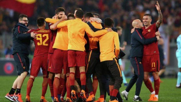Разгромленная раздевалка и президент в фонтане: как Рома праздновала победу над Барселоной