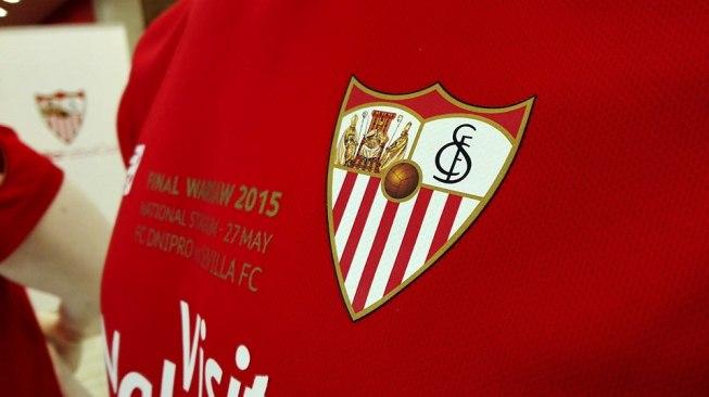 «Севилья» — «Барселона»: каталонцы за минуту спасли матч