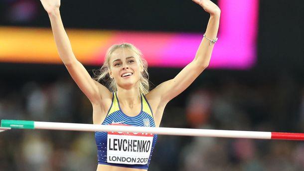 Беленюк — Беринчик: легкоатлетка Левченко назвала победителя боя века
