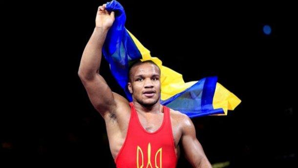 Жану Беленюку запретили в России поднять украинский флаг