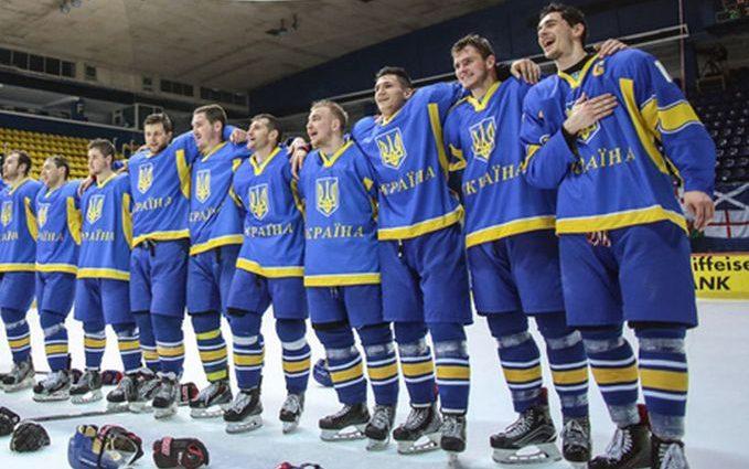 Украинская команда по хоккею одержала победу над Италией и возглавили группу