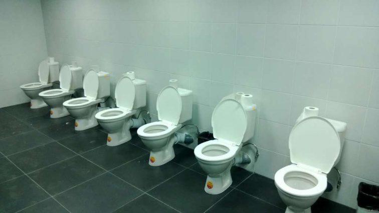 Туалетный скандал: Только взгляните на уборные на стадионах ЧМ-2018