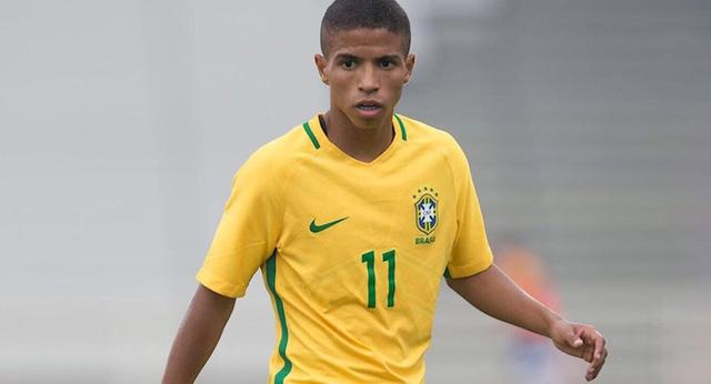 Бразильский футболист отказал «Барсе» в пользу «Шахтера»