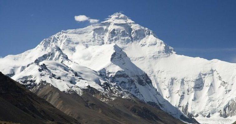 Альпинист без ног впервые покорил Эверест (фото)