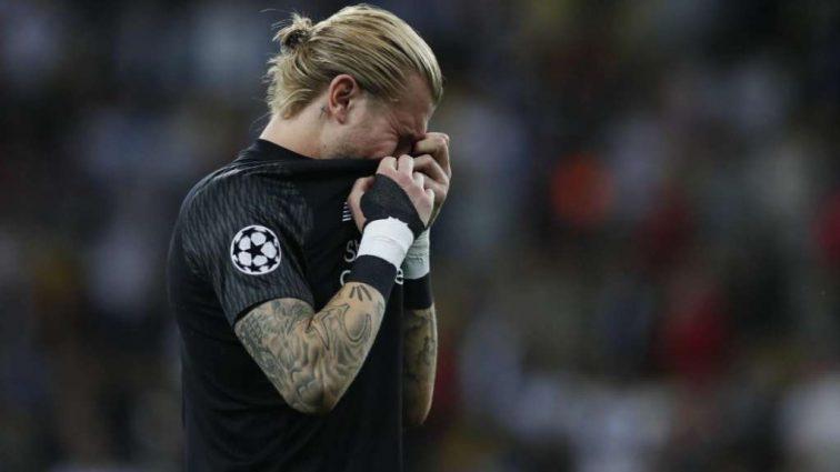 «Приношу извинения всем»: голкипер Ливерпуля плакал и на коленях просил прощения перед поклонниками