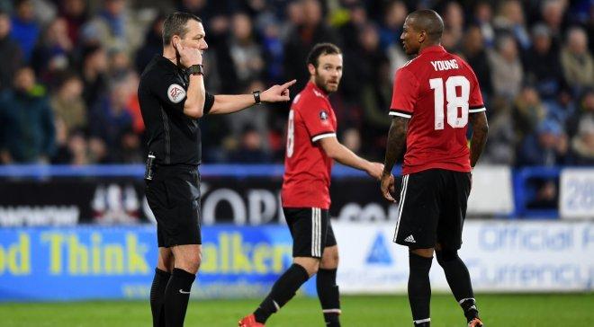 «Желтую карточку за…»: в футболе появились новые правила