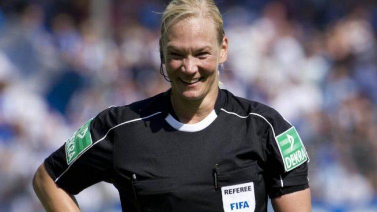 Матч Баварии вызвал скандал из-за женщины-арбитра