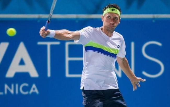 Стаховский успешно стартовал на турнире в Великобритании