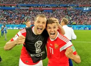 ЧМ-2018: Россия побеждает. Первые фото с раздевалки
