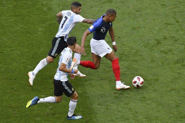 Франция и Аргентина: Мячи летели, как пули