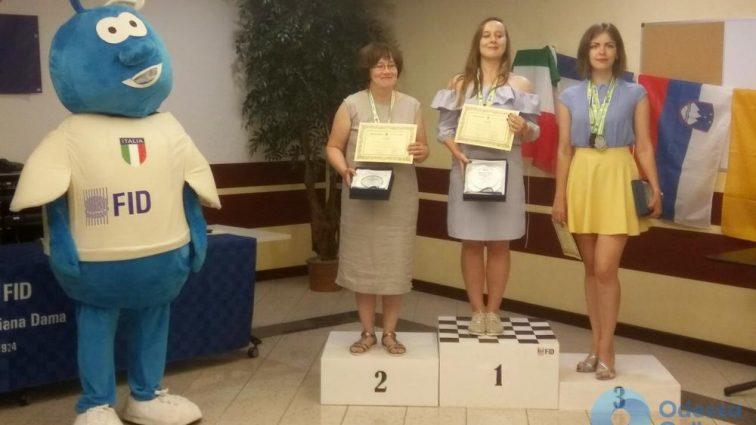 Одесситка завоевала серебряную медаль на чемпионате мира по международным шашкам