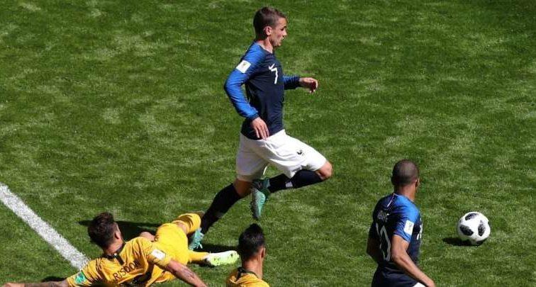 Благодаря просмотру видеоповтору арбитром, Франция забила гол Австралии