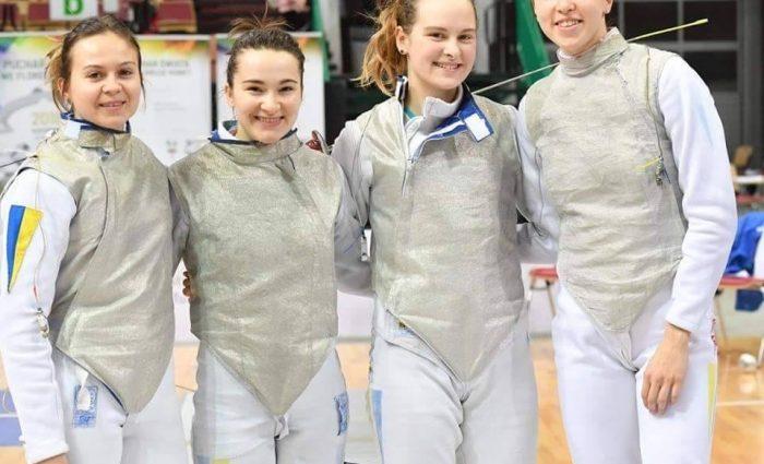 Украинские фехтовальщицы пробиваются в четвертьфинал ЧЕ-2018
