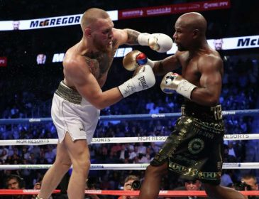 Боксеры устроили махач на встрече перед рингом: интригующее видео