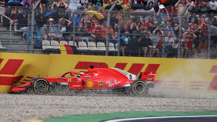 «Его ошибки просто уничтожают команду»: итальянские СМИ раскритиковали гонщика Феррари