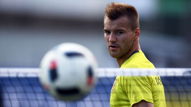 «Он не хотел идти с Боруссии»: Ребров оценил переход Ярмоленко в новый клуб
