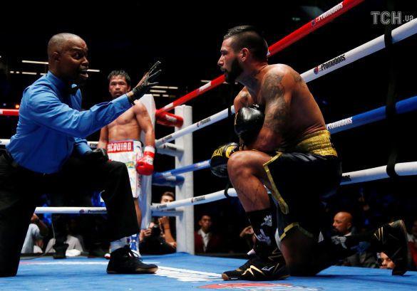 Боксер Мэнни Пакьяо впервые за девять лет отправил в нокаут соперника
