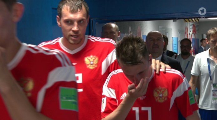 Скандал на ЧМ-2018: Сборную России заподозрили в «вдыхание» прямо посреди матча